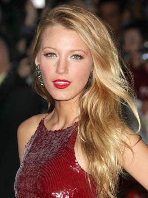 8 Tips to Apply a Red Lipstick Properly